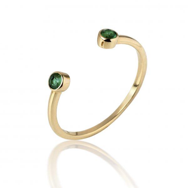 Geltono aukso žiedas su smaragdais