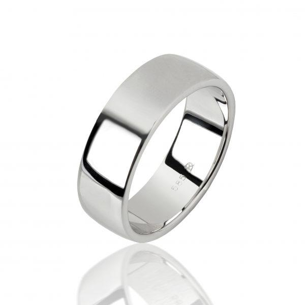 Balto aukso žiedas (7 mm pločio)