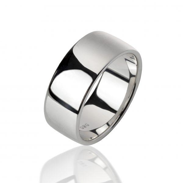 Balto aukso žiedas (9.5mm pločio)