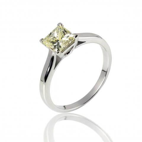 Balto aukso žiedas su geltonu deimantu