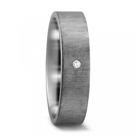 Matinis titano žiedas su deimantu (6 mm pločio)