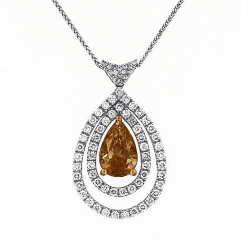 Balto ir geltono aukso pakabukas su deimantais