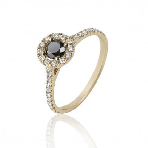 Geltono aukso žiedas su juodu ir baltais deimantais