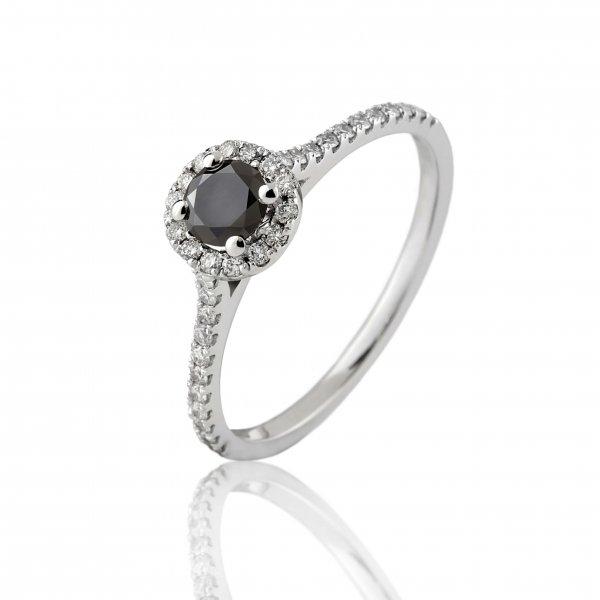 Balto aukso žiedas su juodu ir baltais deimantais