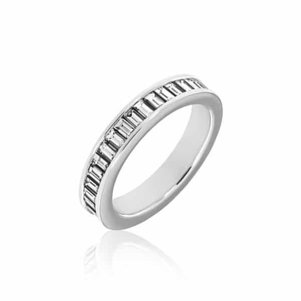 Balto aukso žiedas su deimantais (4 mm pločio)