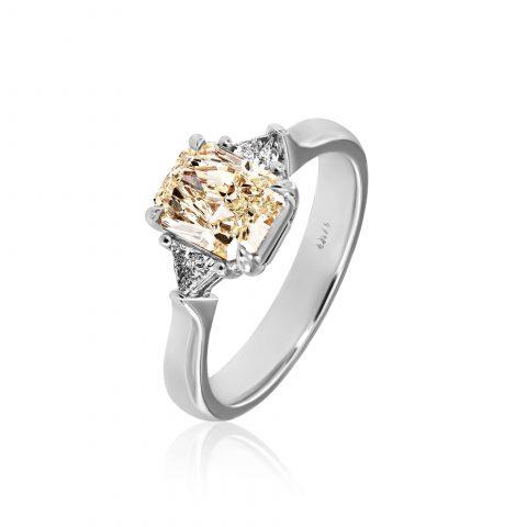 Balto aukso žiedas su deimantais