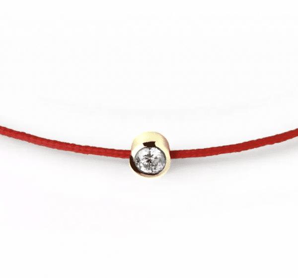 Raudona juostelė-apyrankė su 0,04 ct deimantu (geltonas auksas)