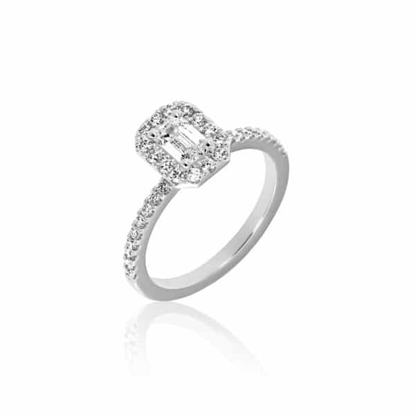 Balto aukso žiedas su deimantais (centrinis deimantas emerald formos)
