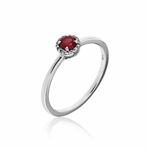 Balto aukso žiedas su rubinu ir deimantais