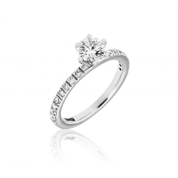 Balto aukso žiedas su deimantu